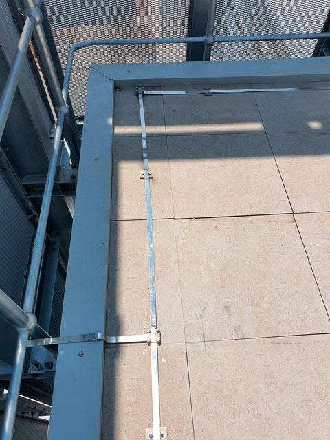copper earth strap installation on roof of cdc data centre