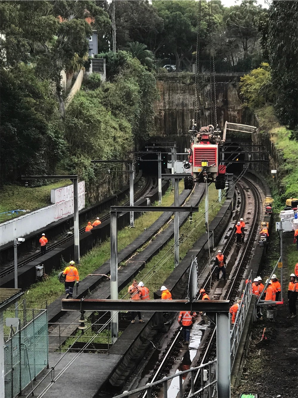 UGOH termination earthing Woollahra Railway Station
